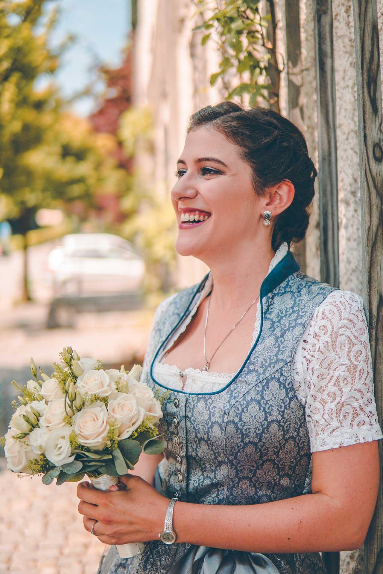 Die Braut in Tracht
