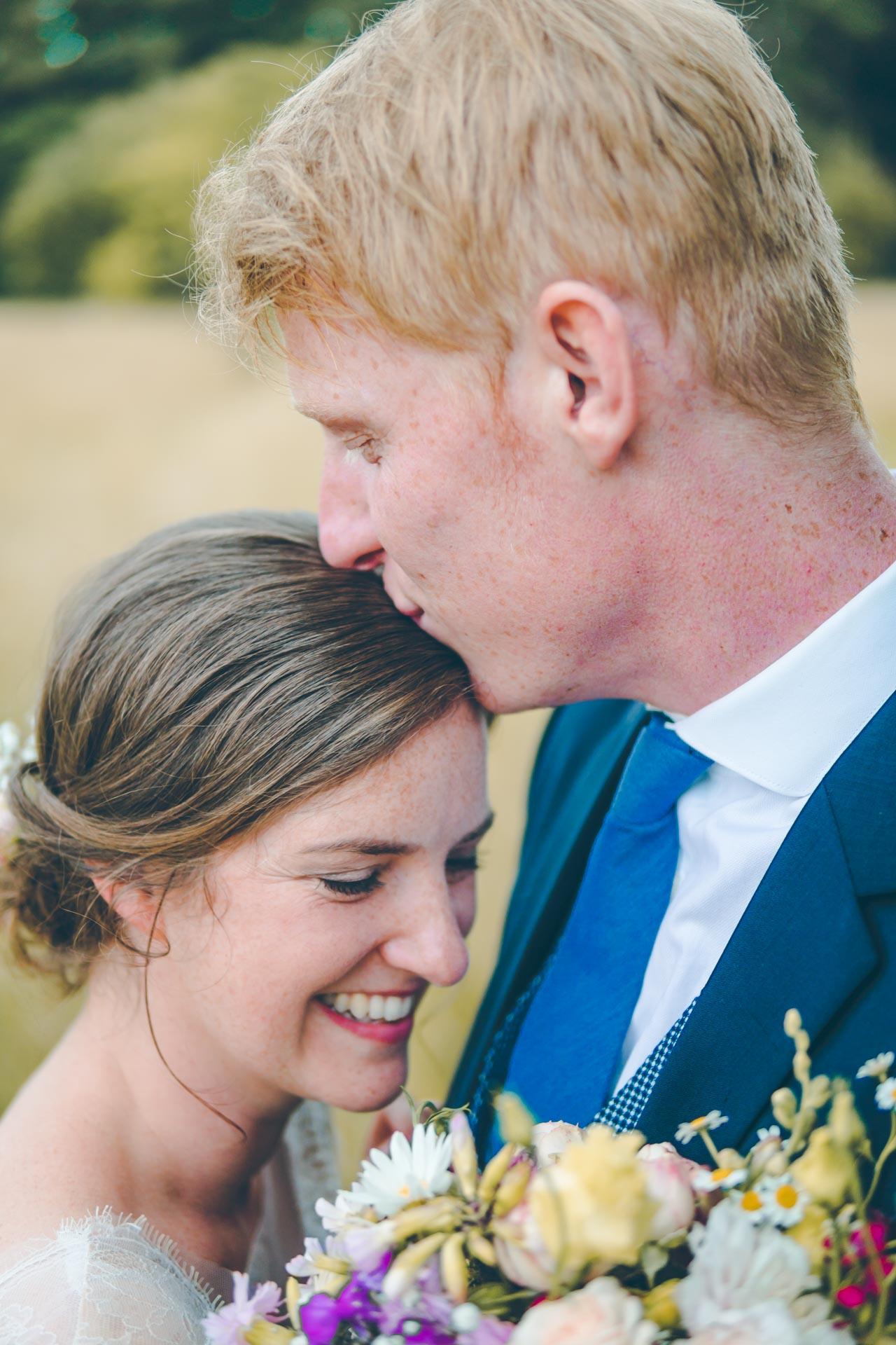 SüßesHochzeitsfoto vom Paar