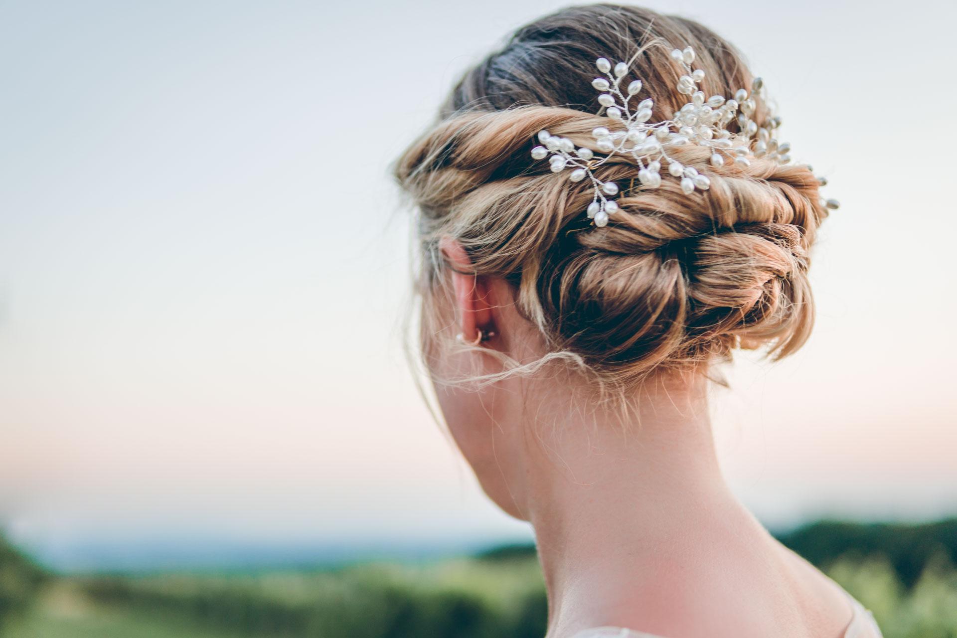 Detailshot der Brautfrisur