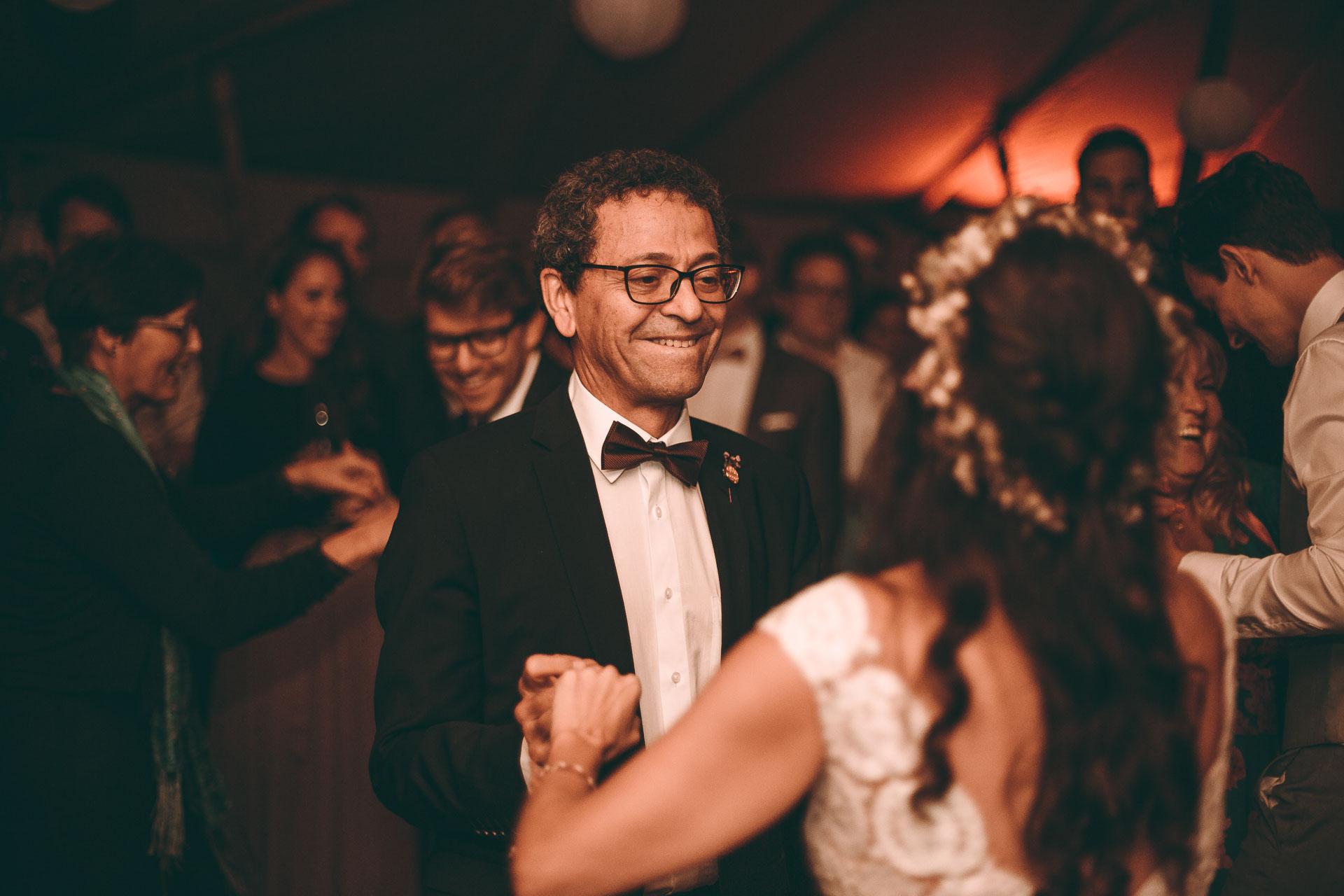 Erster Hochzeitstanz auf Boho Hochzeit