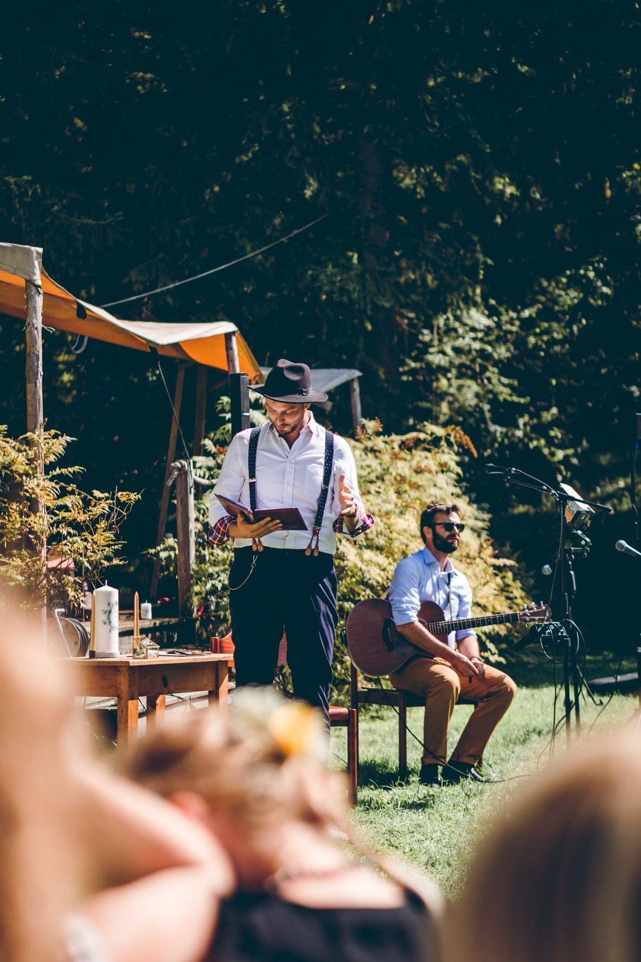 Trauredner im Boho Style bei Blueland Hochzeit