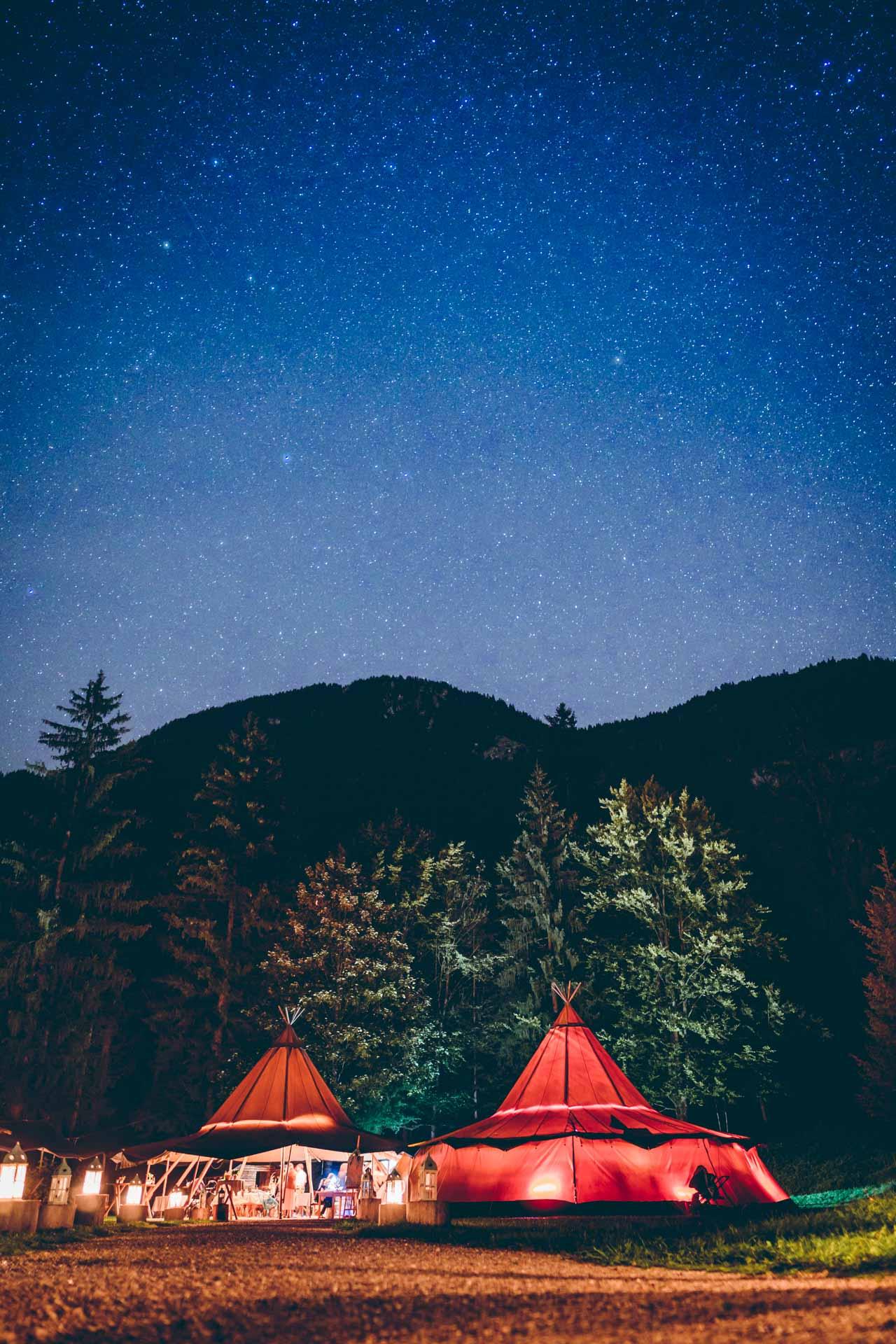 Blueland Hochzeits Zelte unter dem Sternenhimmel währen Hochzeitsparty