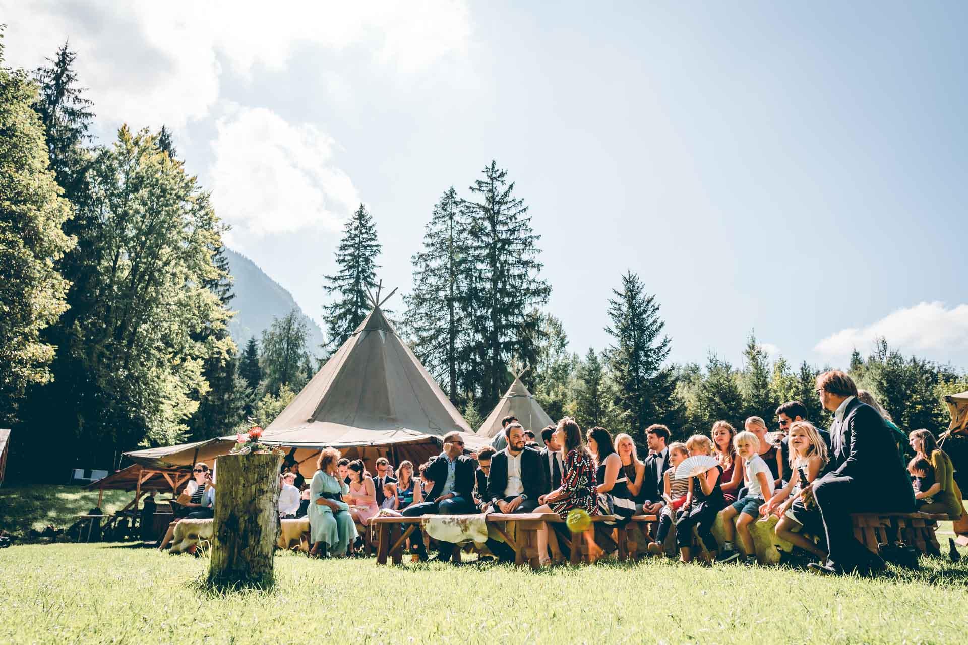 Freie Trauung bei Sonnenschein Vintage Boho in Murnau im Blueland