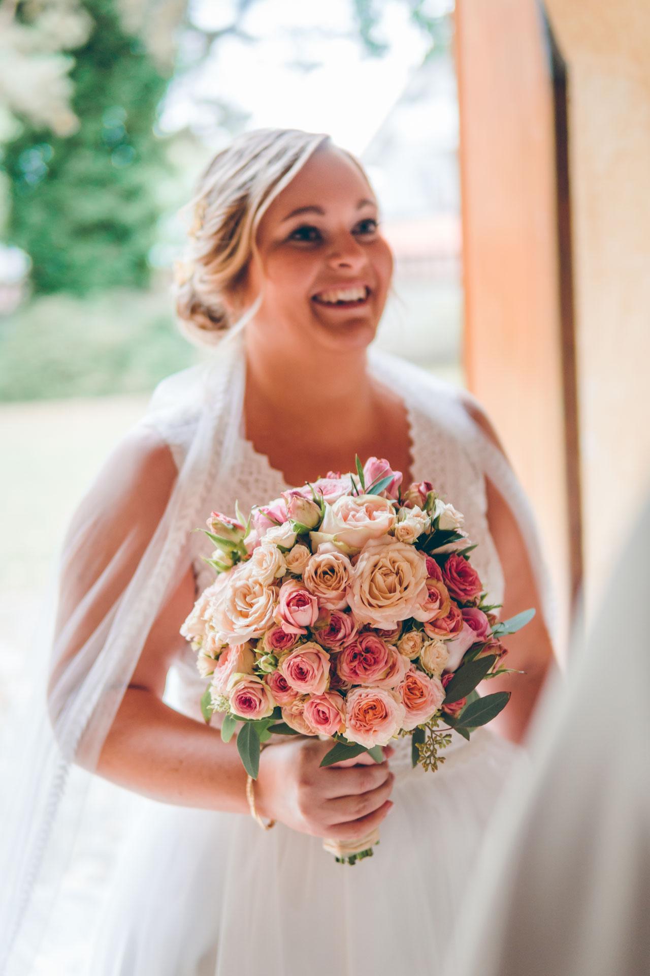 Hochzeitsstrauß und Braut auf Münchener Hochzeit