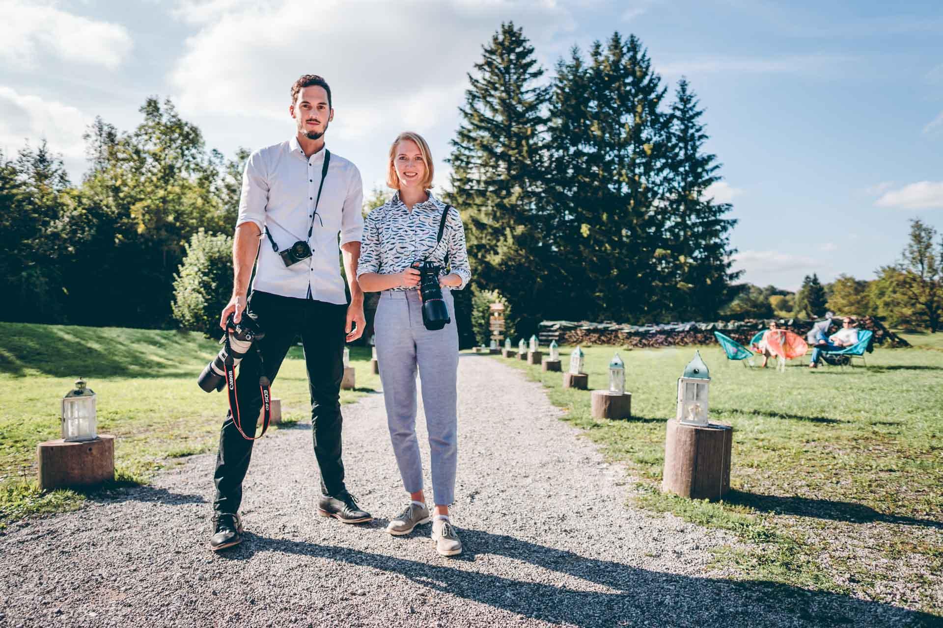 Toni & Jules - Hochzeitsfotografen aus München bei der Arbeit bei der Blueland Hochzeit in Ohlstatt